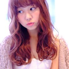 オレンジ ロング パーマ イエロー ヘアスタイルや髪型の写真・画像