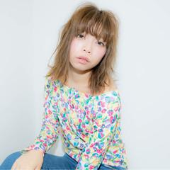 外国人風 パーマ アッシュ ミディアム ヘアスタイルや髪型の写真・画像
