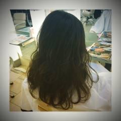 セミロング ストリート ナチュラル カール ヘアスタイルや髪型の写真・画像