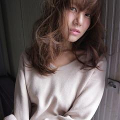 ヌーディベージュ ハイライト 大人女子 小顔 ヘアスタイルや髪型の写真・画像