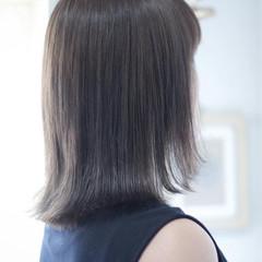 ホワイトシルバー シルバー セミロング シルバーグレー ヘアスタイルや髪型の写真・画像