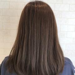 暗髪 グレージュ 大人女子 セミロング ヘアスタイルや髪型の写真・画像