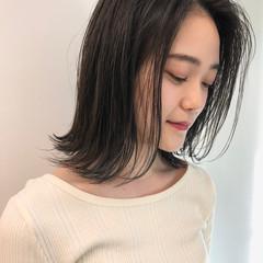 ナチュラル 切りっぱなしボブ 髪質改善トリートメント 髪質改善カラー ヘアスタイルや髪型の写真・画像