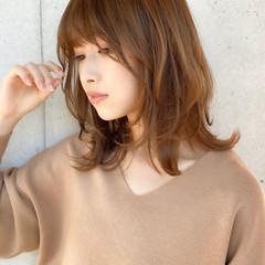 斜め前髪 ウルフカット レイヤーカット ミディアム ヘアスタイルや髪型の写真・画像