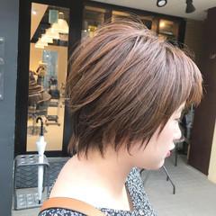 ショートバング ナチュラル ショート マッシュショート ヘアスタイルや髪型の写真・画像