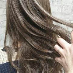 アッシュ セミロング 外国人風カラー エレガント ヘアスタイルや髪型の写真・画像