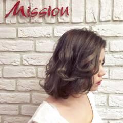 ブラウンベージュ アッシュグレージュ ハイトーン アッシュ ヘアスタイルや髪型の写真・画像