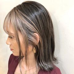 ハイトーンカラー ハイライト 切りっぱなしボブ ナチュラル ヘアスタイルや髪型の写真・画像