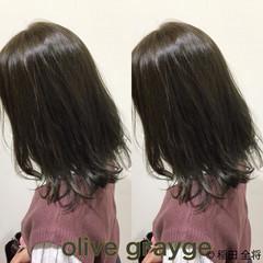 オリーブアッシュ ヘアカラー オリーブグレージュ グリーン ヘアスタイルや髪型の写真・画像