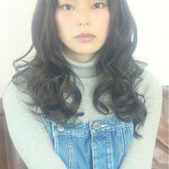 パーマ 前髪あり フェミニン ナチュラル ヘアスタイルや髪型の写真・画像