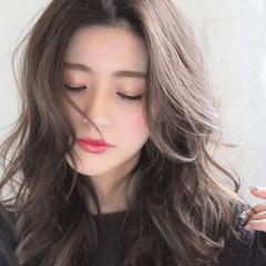 アンニュイほつれヘア 簡単ヘアアレンジ ロング オフィス ヘアスタイルや髪型の写真・画像