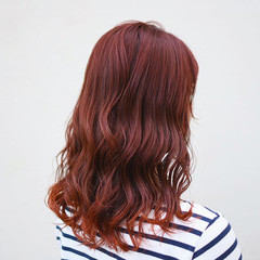 インナーカラー 裾カラー オレンジカラー セミロング ヘアスタイルや髪型の写真・画像