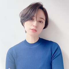 流し前髪 ショート ミニボブ ナチュラル ヘアスタイルや髪型の写真・画像