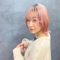 ガーリー ボブ ピンク 切りっぱなしボブ ヘアスタイルや髪型の写真・画像