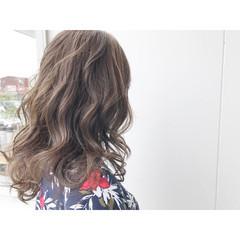 アッシュ アッシュグレージュ ナチュラル ロング ヘアスタイルや髪型の写真・画像