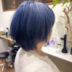 ブルー ショート ネイビーブルー ブリーチカラー ヘアスタイルや髪型の写真・画像