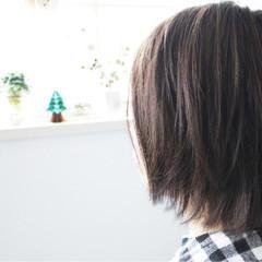 ナチュラル 小顔 アッシュ ブルージュ ヘアスタイルや髪型の写真・画像