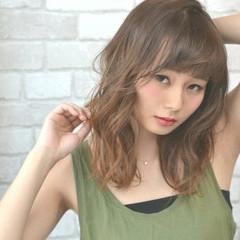 フェミニン 小顔 ガーリー ミディアム ヘアスタイルや髪型の写真・画像