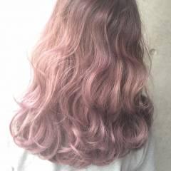 ハイトーン グラデーションカラー ミディアム ゆるふわ ヘアスタイルや髪型の写真・画像