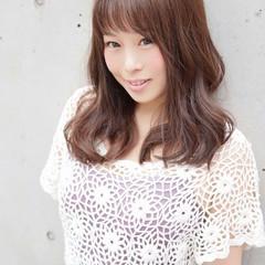 大人かわいい 外国人風 ピュア くせ毛風 ヘアスタイルや髪型の写真・画像