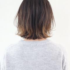 ボブ バレイヤージュ ナチュラル インナーカラー ヘアスタイルや髪型の写真・画像