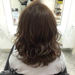 アッシュ ガーリー ハイライト ミディアム ヘアスタイルや髪型の写真・画像