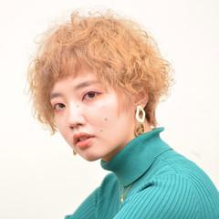 ストリート ハイトーン ハイトーンカラー 個性的 ヘアスタイルや髪型の写真・画像