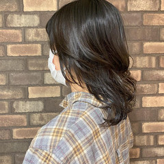 ウルフカット アディクシーカラー 韓国ヘア オリーブカラー ヘアスタイルや髪型の写真・画像