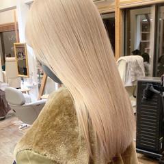 ブロンドカラー ミルクティーベージュ ベージュカラー ロング ヘアスタイルや髪型の写真・画像