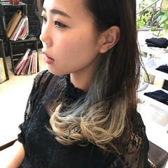 外国人風カラー ガーリー インナーカラー アッシュグレージュ ヘアスタイルや髪型の写真・画像