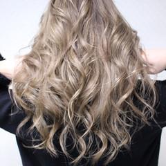 セミロング ヘアカラー 外国人風カラー エレガント ヘアスタイルや髪型の写真・画像