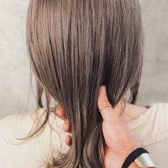 ミディアム ミルクティーベージュ 外国人風 ヘアアレンジ ヘアスタイルや髪型の写真・画像