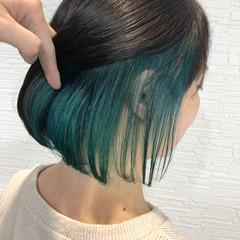 ターコイズ ターコイズブルー インナーカラー フェミニン ヘアスタイルや髪型の写真・画像