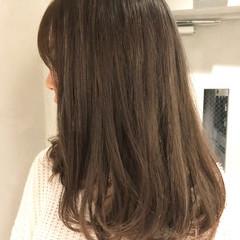 グレージュ ブルージュ イルミナカラー ナチュラル ヘアスタイルや髪型の写真・画像