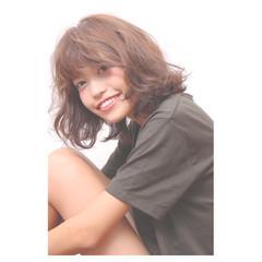 ミディアム パーマ 秋 くせ毛風 ヘアスタイルや髪型の写真・画像