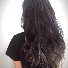 ゆるふわ ロング ブルージュ グレージュ ヘアスタイルや髪型の写真・画像
