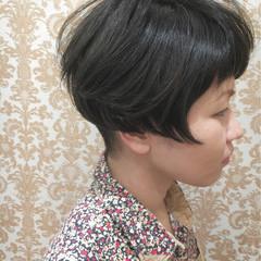 外国人風 暗髪 エアリー ショート ヘアスタイルや髪型の写真・画像