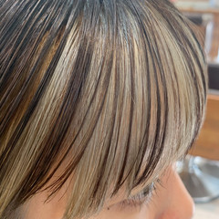 シースルーバング ブリーチ インナーカラー デザインカラー ヘアスタイルや髪型の写真・画像