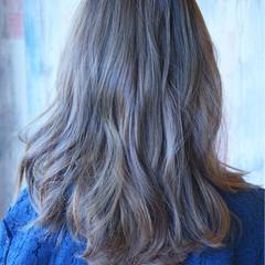 くすみカラー 3Dカラー ストリート セミロング ヘアスタイルや髪型の写真・画像