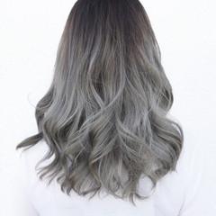 グラデーションカラー 外国人風 セミロング ストリート ヘアスタイルや髪型の写真・画像