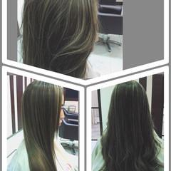 アッシュ グレージュ ロング ガーリー ヘアスタイルや髪型の写真・画像