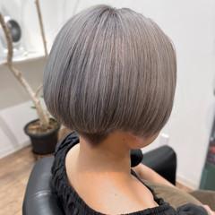 ストリート ハンサムショート ブリーチ シルバーグレー ヘアスタイルや髪型の写真・画像