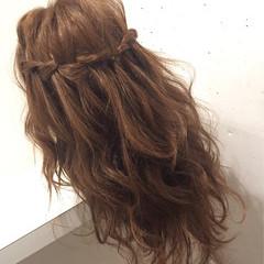 セミロング 簡単ヘアアレンジ 編み込み フェミニン ヘアスタイルや髪型の写真・画像
