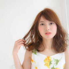 ウェットヘア 艶髪 ハイライト ミディアム ヘアスタイルや髪型の写真・画像