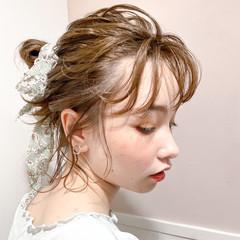 簡単ヘアアレンジ スカーフアレンジ ナチュラル 透明感 ヘアスタイルや髪型の写真・画像