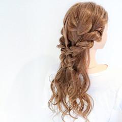簡単ヘアアレンジ エレガント 上品 ロング ヘアスタイルや髪型の写真・画像