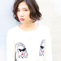 外国人風 ミディアム 暗髪 黒髪 ヘアスタイルや髪型の写真・画像