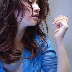 外国人風 大人かわいい 暗髪 セミロング ヘアスタイルや髪型の写真・画像