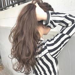 パーマ ロング アンニュイ 上品 ヘアスタイルや髪型の写真・画像