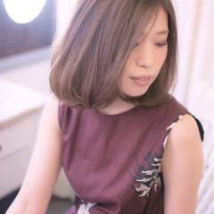 透明感 アッシュグレー ミディアム ラベンダー ヘアスタイルや髪型の写真・画像